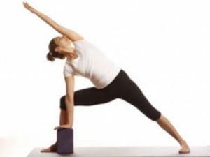 best yoga teacher class vinyasa flow power yoga newton boston bea abascal prana yoga down under yoga hola yoga