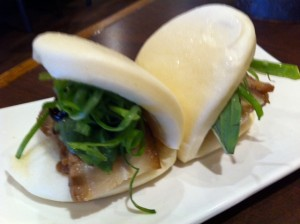steamed buns fusion, steamed bun, pork bun, Bon Chon, Korean Restaurant, Allston, Korean fried chicken restaurant, Korean fusion restaurant Allston, Boston Korean restaurant scene